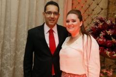 Presidente da OAB de Arapongas Fabio Viana Barros e esposa Giovana Barros (Cópia)