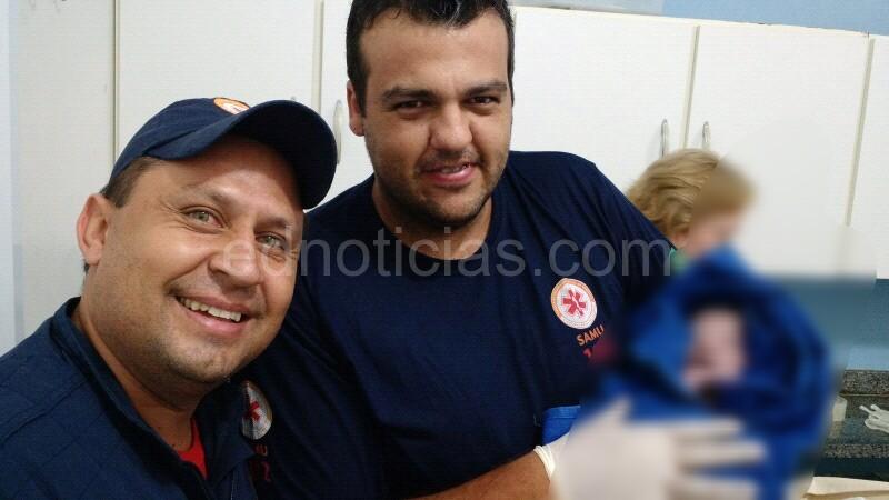 Técnicos de enfermagem Rodrigo e Danilo que atenderam a ocorrência