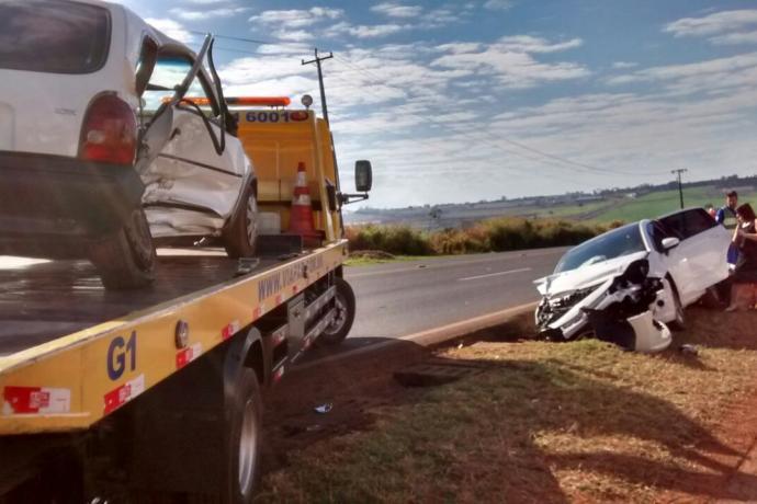 Pai e filho ficam feridos em acidente nesta manhã, na PR-444 em Arapongas
