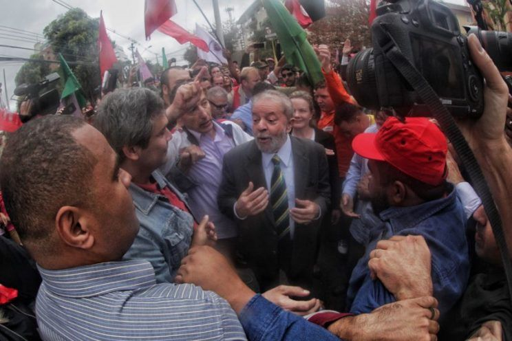 Depoimento de Lula a Sergio Moro termina após quase 5 horas