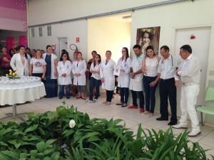 Curso de Enfermagem da Unopar entrega dezenas de potes de vidro ao Cisam 2