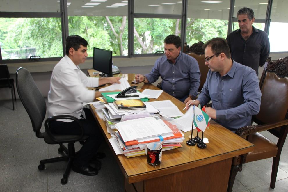 Arapongas integra Consórcio Intermunicipal para melhorias em estradas rurais