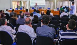 Universidade Federal do Paraná propõe parcerias com a Amuvi